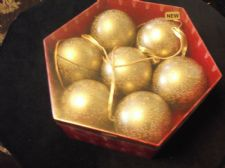 BNIB MARKS & SPENCER SALTED CARAMEL CHOCOLATE FILLED 7 X CHRISTMAS BAUBLES 2015